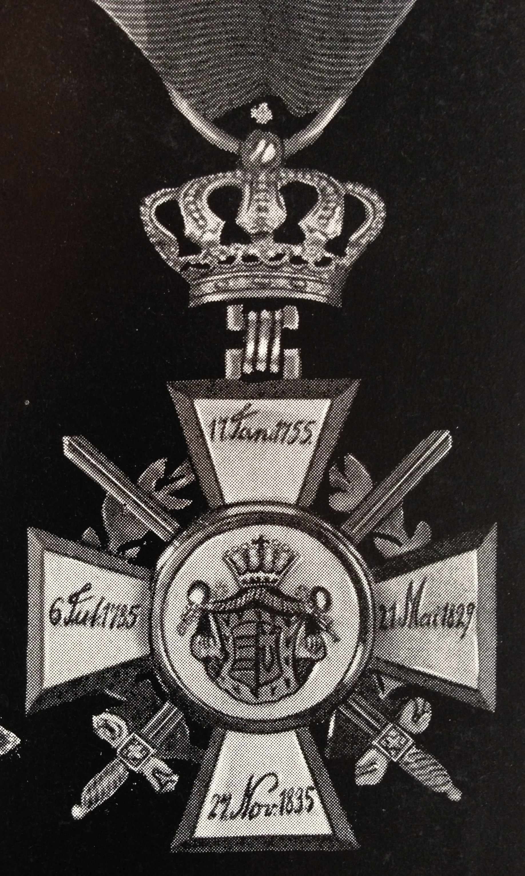 Oldenburg Knight 1st Class with swords and laurel leaf